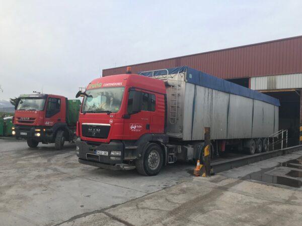 camiones contenedores Iruña
